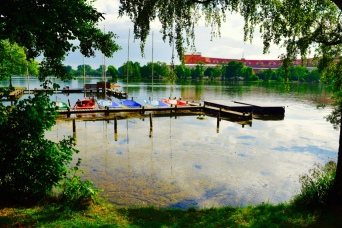 The view around the lake, so picturesque!