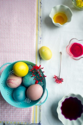 Painting eggs at Easter time. Photo credit: www.theprimlanikitchen.com