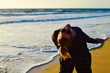 How could this crazy fun face not cheer me up!? haha! Laughing on the beach was so good for my soul.